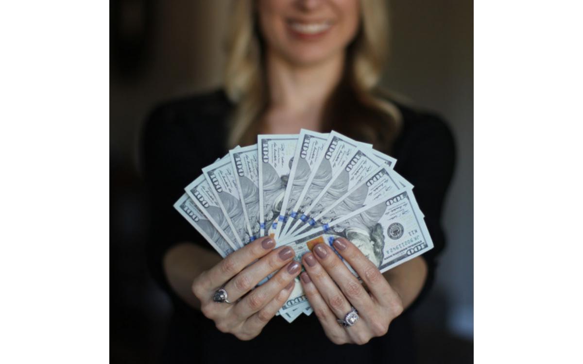 Legyél pénz