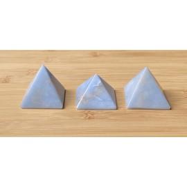 Angelit ásvány piramis 4cm