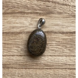 Bronzit ásvány medál