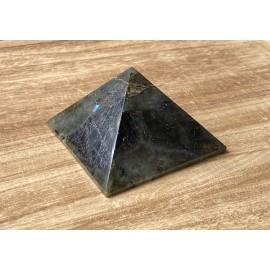 Labradorit ásvány piramis  8 cm