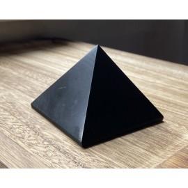 Sungit ásvány piramis 10cm